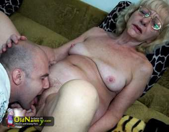 Lovely blonde nanny pussy licked