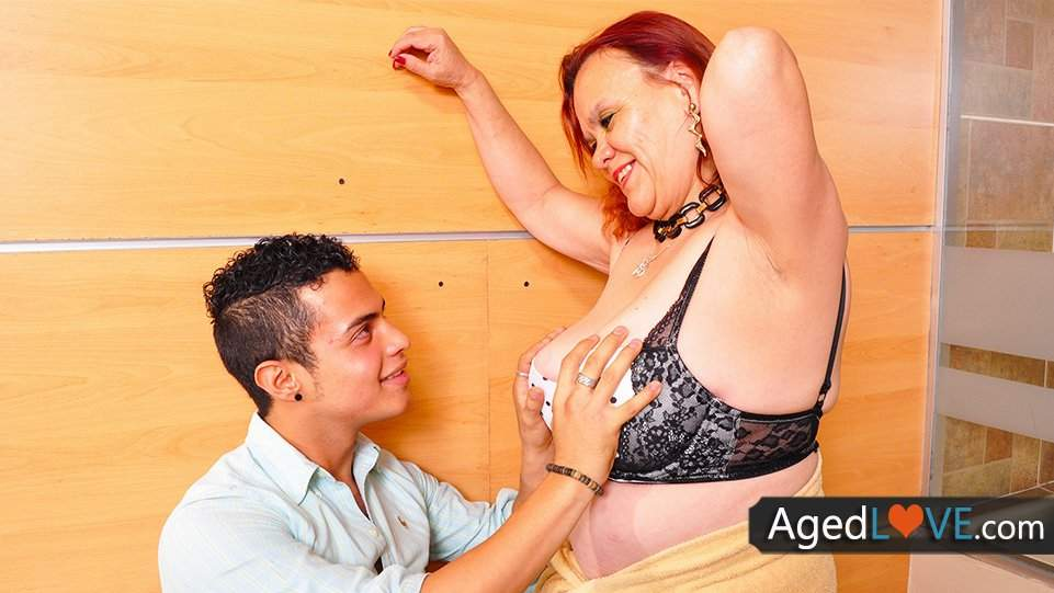 Agedlove bbw granny gloria showing her cunt - 5 9