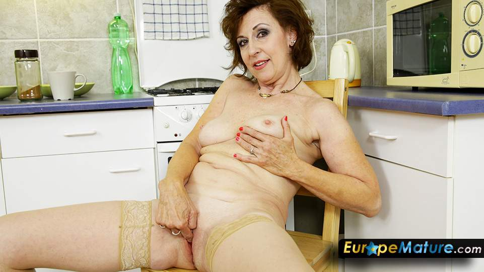 Free amature granny home porn movies