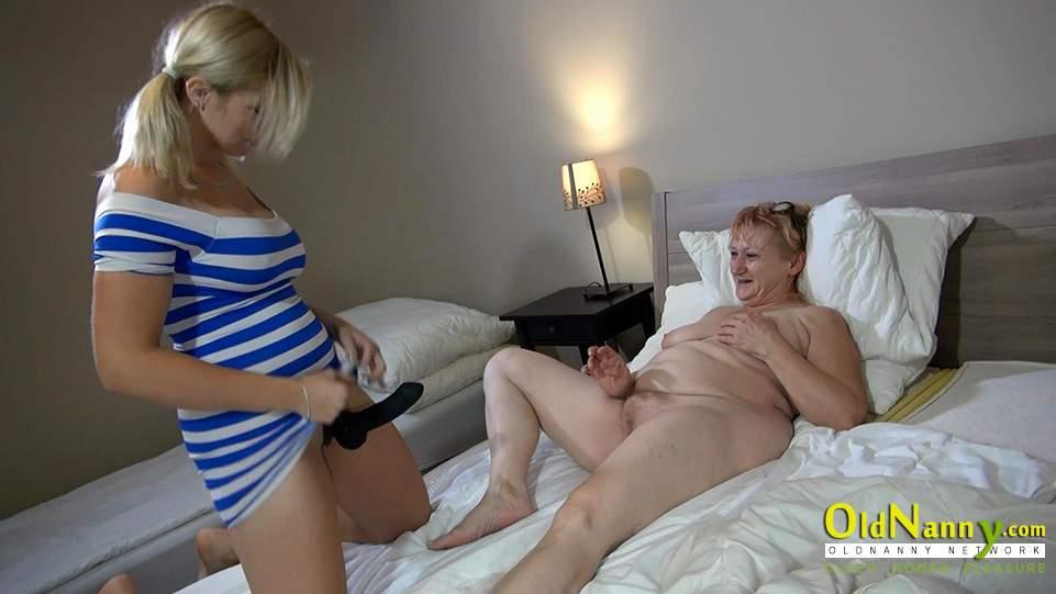 Mature big tits orgasm