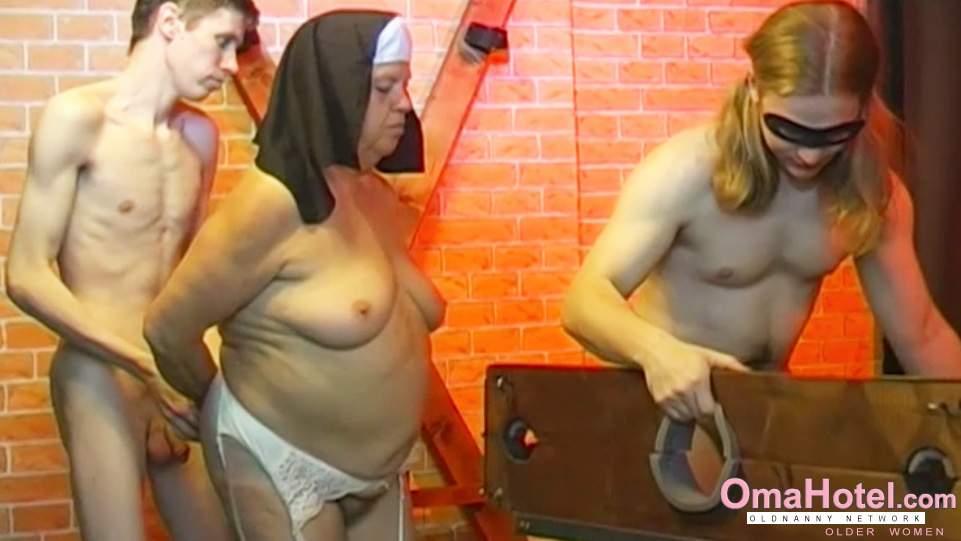 Girls athletic curvy nude