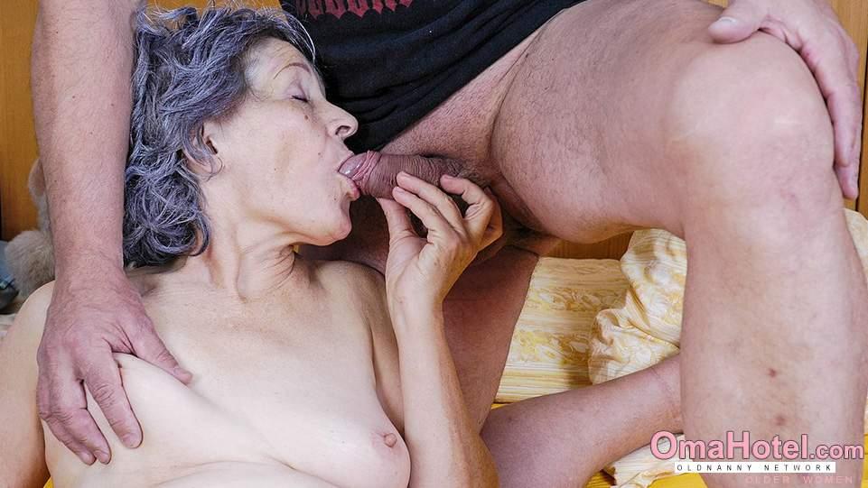 Порно бабок сосущих, анал фото шарики