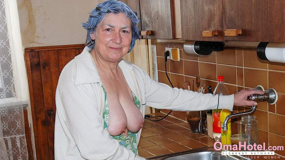 stare zdjęcia czarnej babci cipki mokra cipka duży tyłek porno