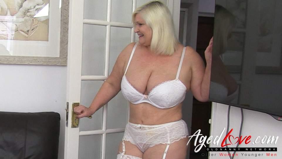 Old blonde granny porn sites