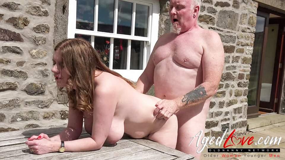 seks nastolatków ze starszym mężczyznąmama lesbijek całuje